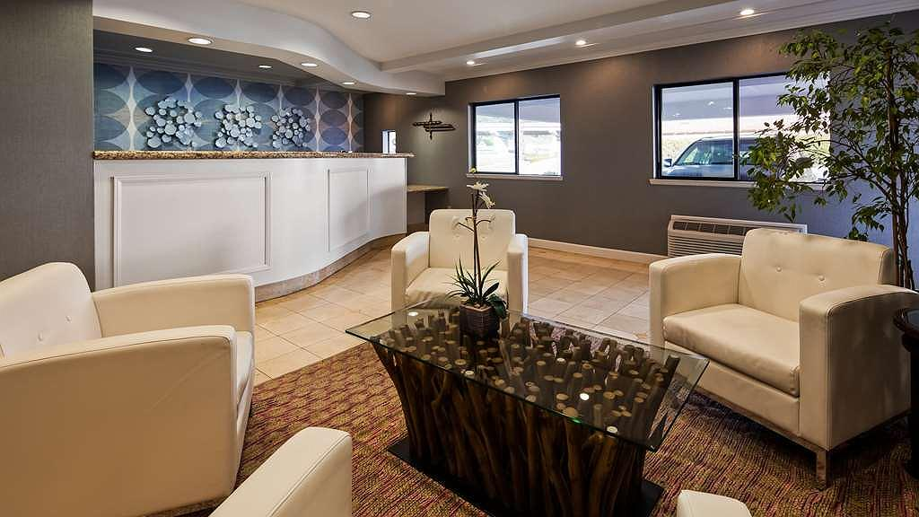 Best Western Inn - Lobby