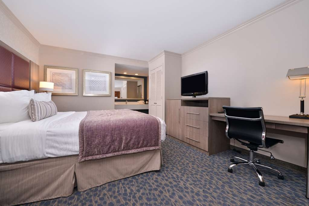 Best Western Inn - Whether you're on the road for business or leisure our queen guest room is the perfect place to rest your head.