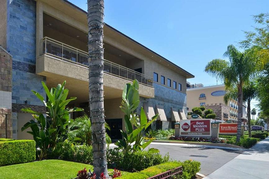 Best Western Plus Anaheim Inn - Vista exterior
