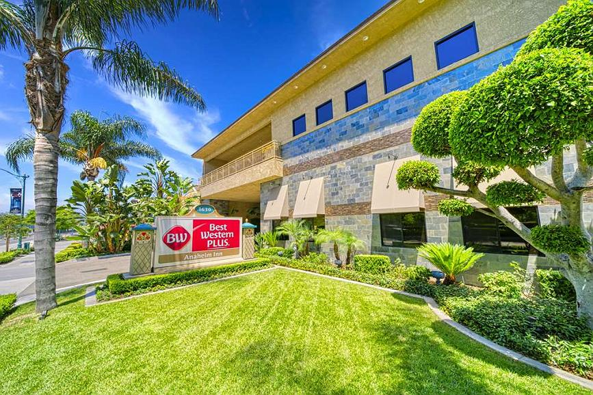 Best Western Plus Anaheim Inn - Area esterna