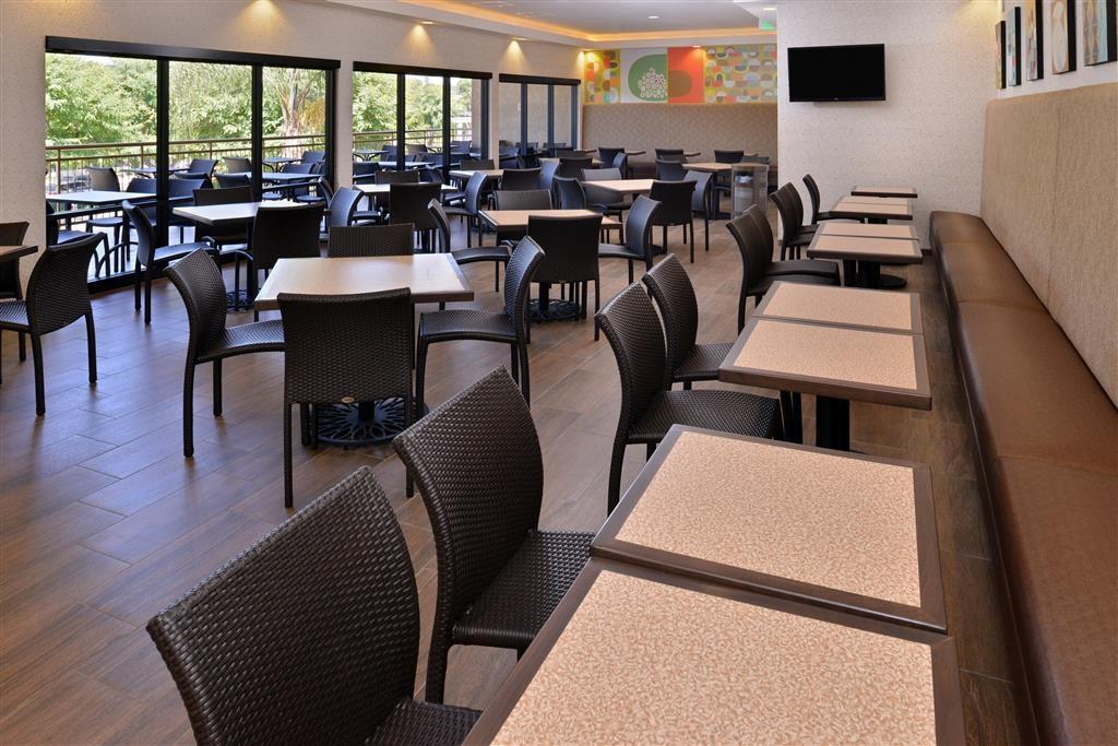 Best Western Plus Anaheim Inn - Prima colazione a buffet