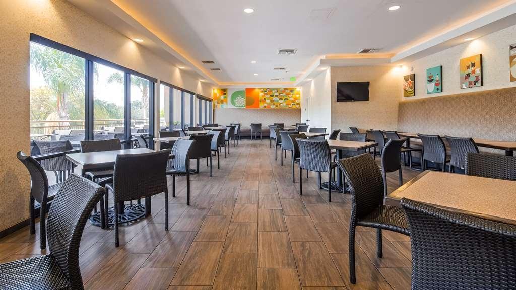 Best Western Plus Anaheim Inn - Restaurant / Etablissement gastronomique