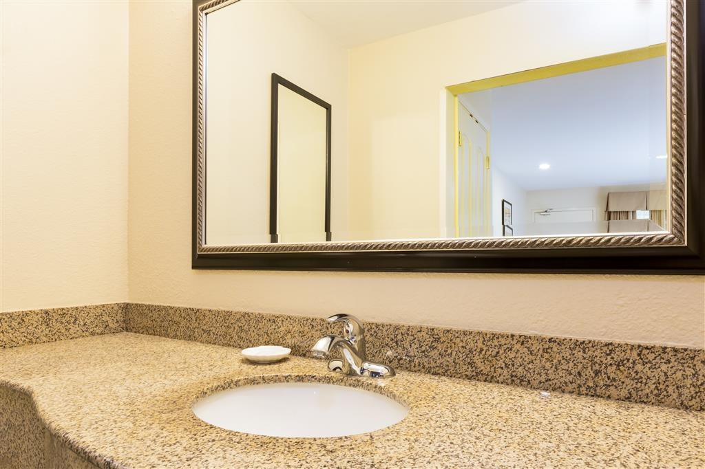 Best Western San Diego/Miramar Hotel - Our San Diego hotel guest bathrooms feature granite counter tops.