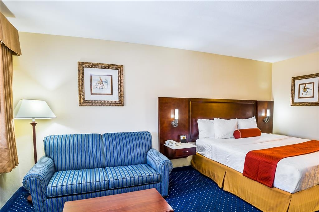 Best Western San Diego/Miramar Hotel - One king bed room features a sofa sleeper.