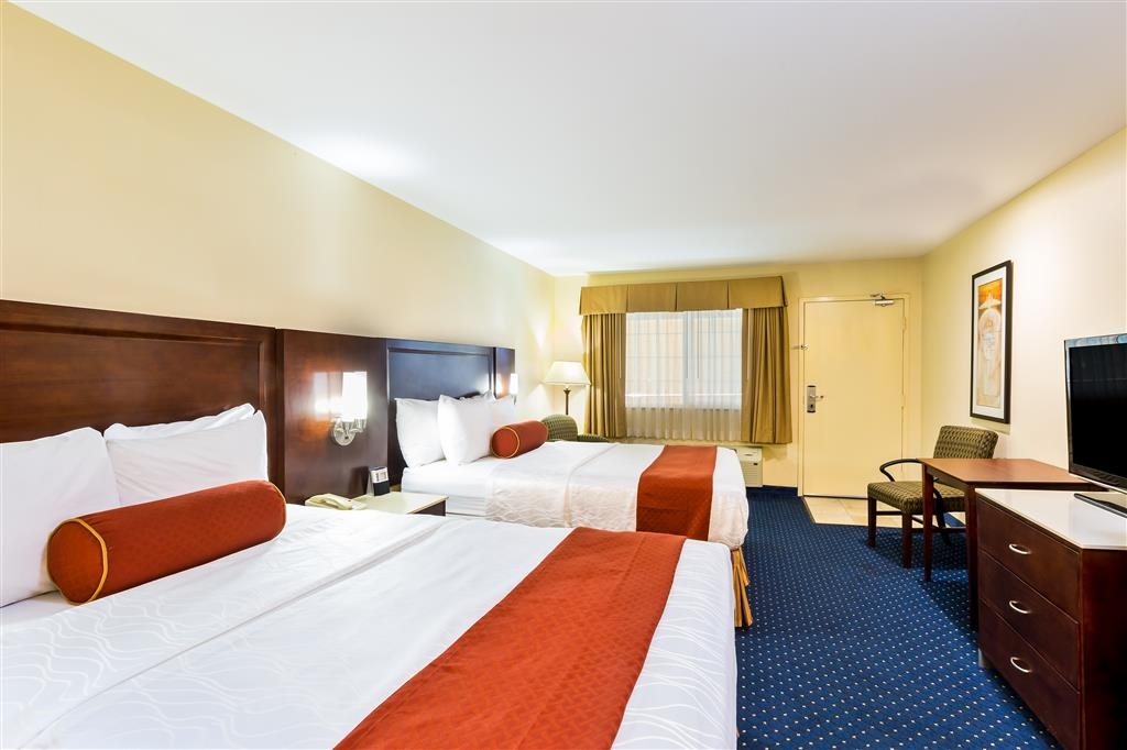 Best Western San Diego/Miramar Hotel - Our two queen bed rooms can comfortably sleep up to four guests.