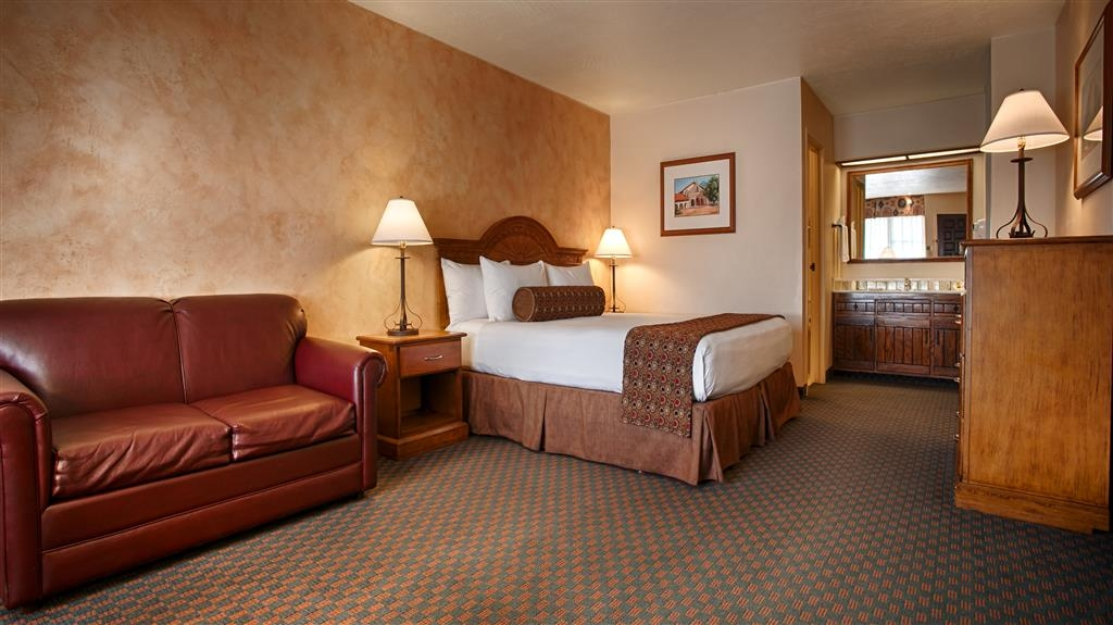 Best Western Casa Grande Inn - Make yourself at home in one of our many cozy rooms.