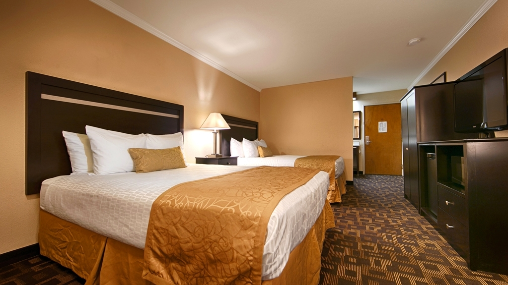 Best Western Plus Inn of Hayward - Habitaciones/Alojamientos