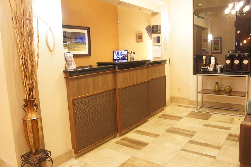 Best Western Plus Inn of Hayward - recepción