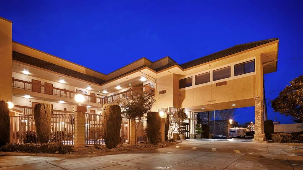 Best Western Plus Inn of Hayward - Vista Exterior