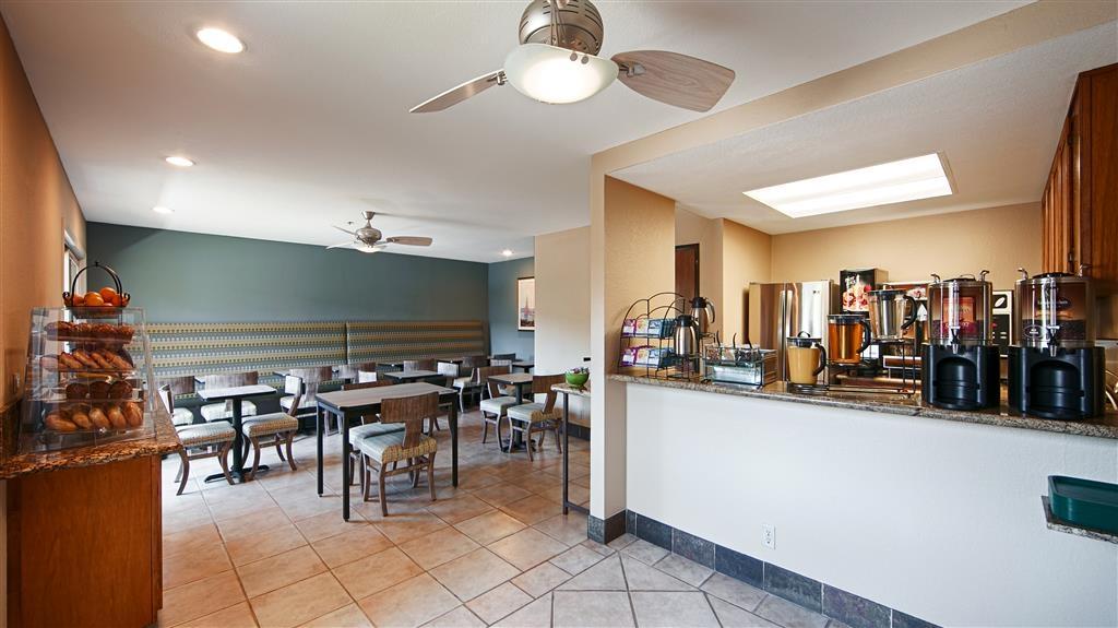 Best Western Plus Monterey Inn - Enjoy our complimentary breakfast.