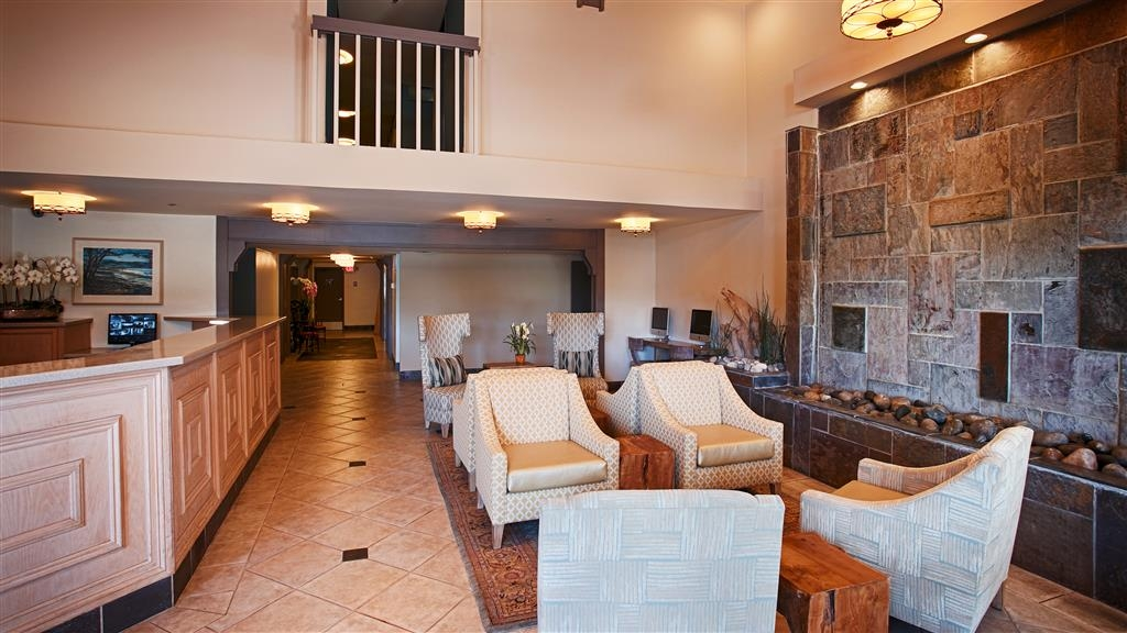 Best Western Plus Monterey Inn - A warm welcome awaits you in our lobby.