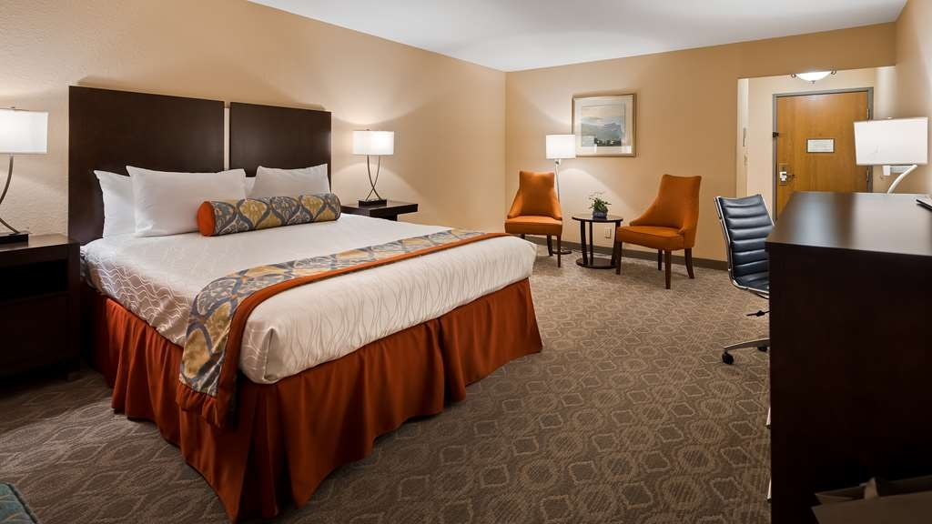 Best Western Plus Monterey Inn - Large and spacious king room