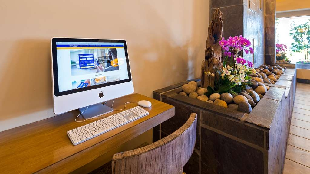 Best Western Plus Monterey Inn - Stay productive during your time away from home in our business center.