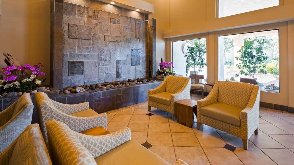 Best Western Plus Monterey Inn - Vista del vestíbulo