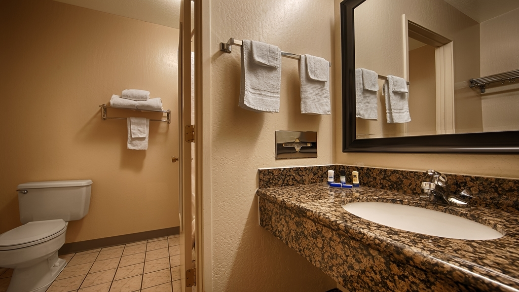 Best Western Amador Inn - Enjoy getting ready for the day in our fully equipped guest bathrooms.