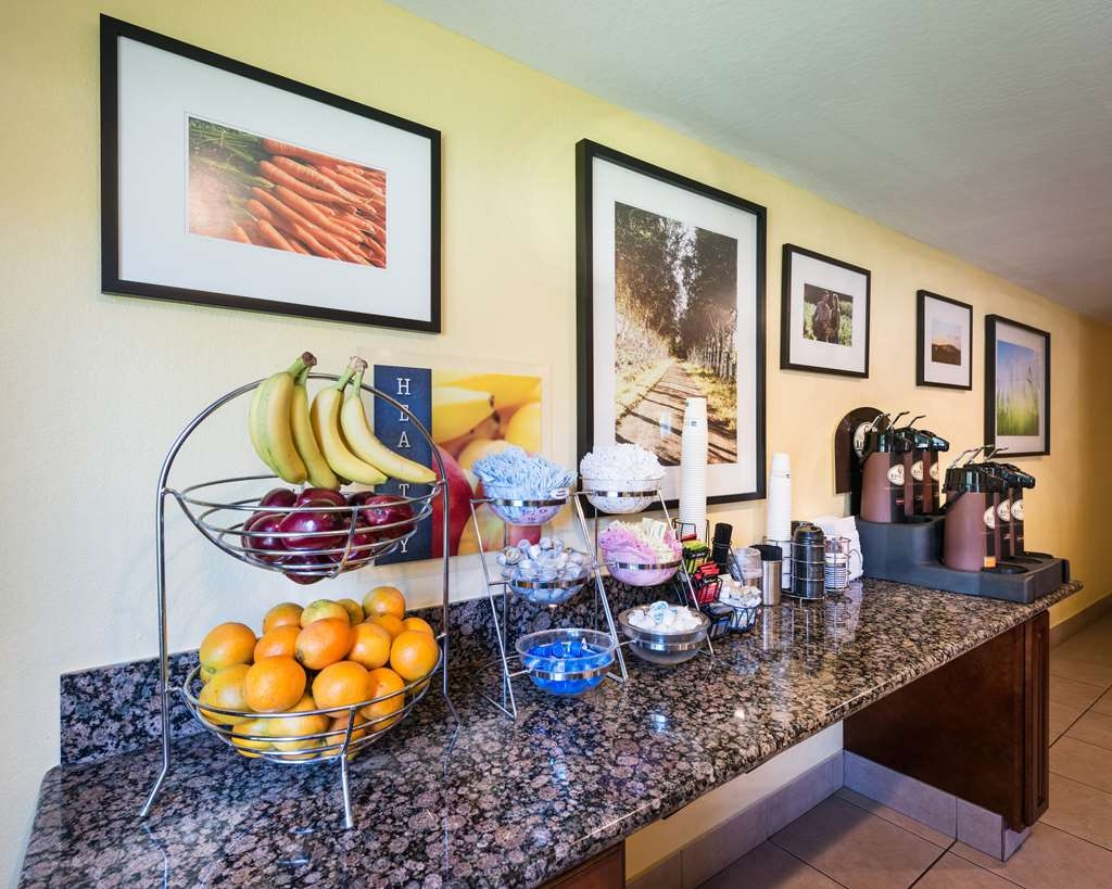 Best Western Amador Inn - Join us every morning for a variety of your favorite morning treats.