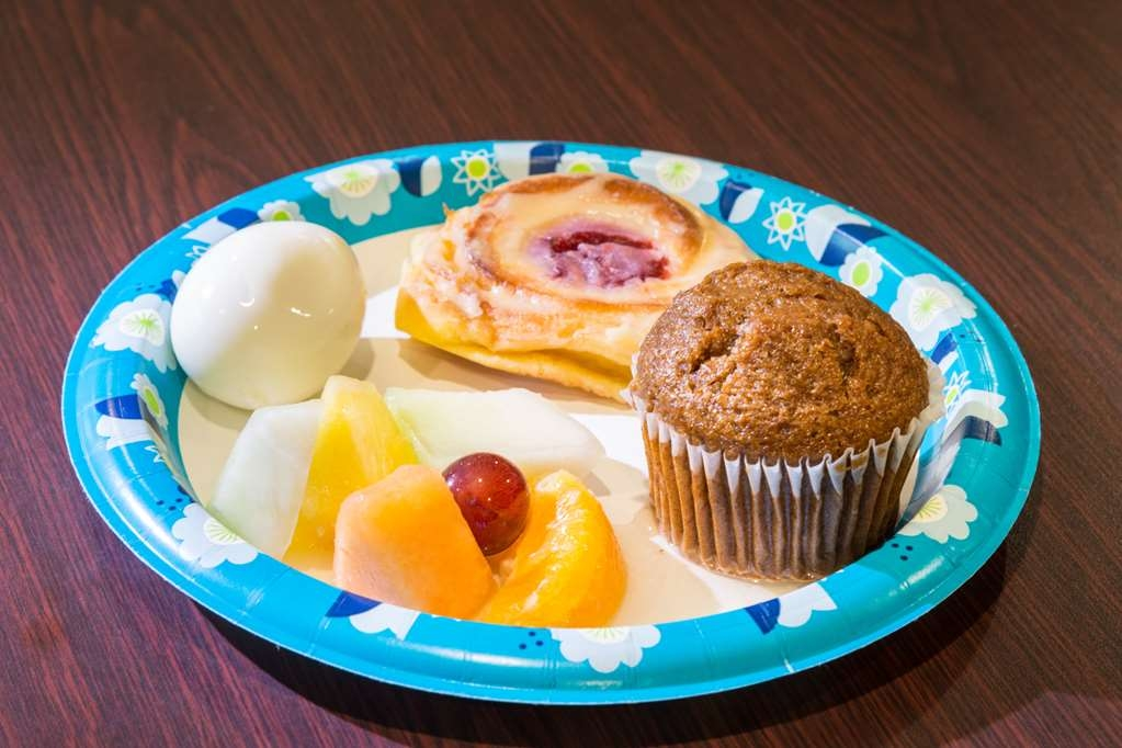 Best Western Amador Inn - Enjoy a balanced and delicious breakfast with choices for everyone.