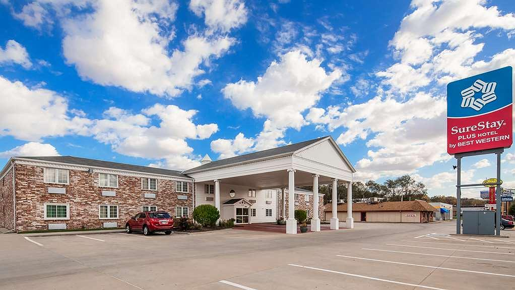 SureStay Plus Hotel by Best Western Omaha South - Vista exterior