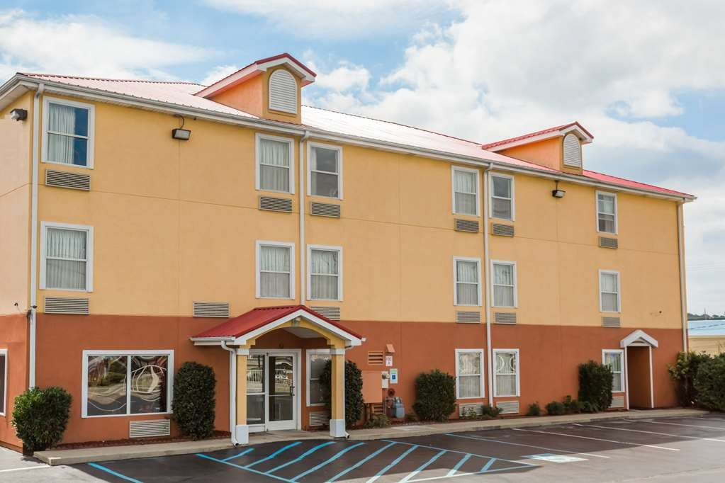 SureStay Plus Hotel by Best Western Chattanooga - When your travels take you to Chattanooga, stay at our hotel. We love having you here!