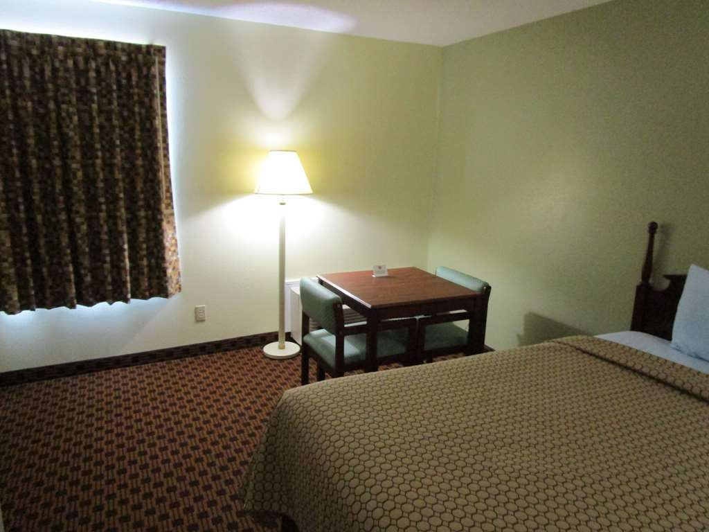 SureStay Plus Hotel by Best Western Chattanooga - All of our rooms are equipped with a microwave and refrigerator.