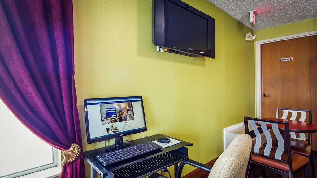 SureStay Plus Hotel by Best Western Chattanooga - Feel free to check your email in our business center.