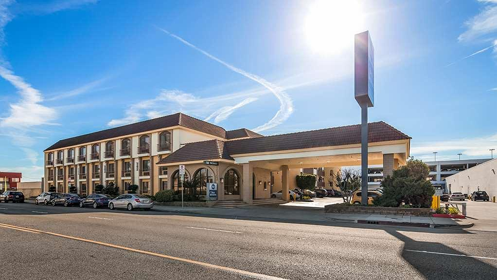 Best Western Norwalk Inn - Vista exterior