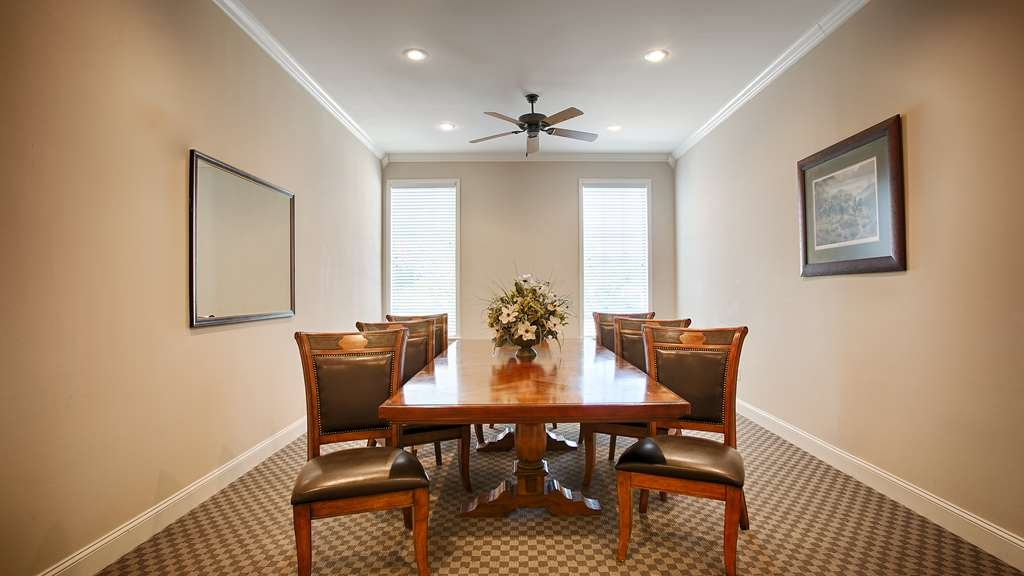 SureStay Hotel by Best Western Leesville - Need to schedule a meeting for business? We have space available for you and your clients.