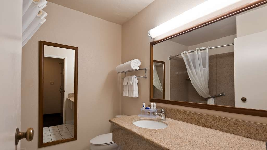 Best Western Village Inn - We take pride in making everything spotless for your arrival.