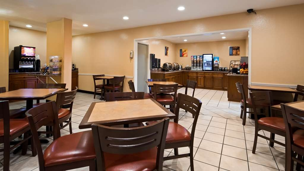 Best Western Village Inn - Rise and shine with a complimentary breakfast every morning.