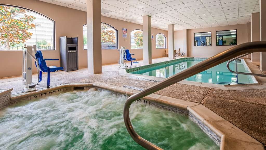 SureStay Plus Hotel by Best Western Houston Medical Center - The indoor pool is perfect for swimming laps or taking a quick dip.