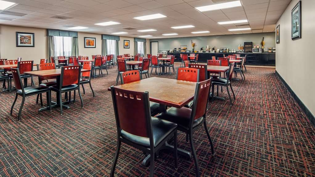 SureStay Plus Hotel by Best Western Houston Medical Center - Rise and shine with a complimentary breakfast every morning.