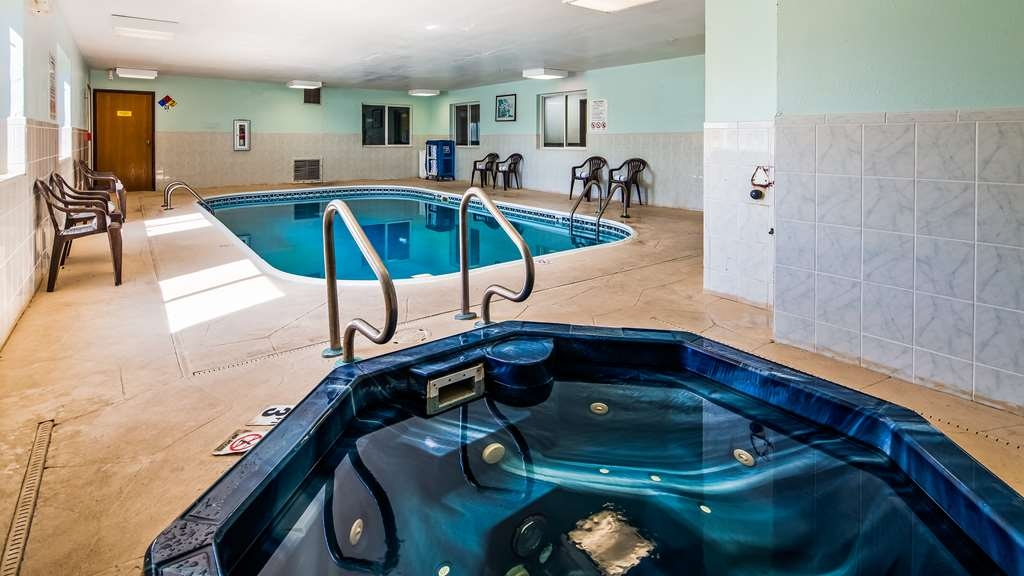 SureStay Plus Hotel by Best Western Bettendorf - Take a refreshing dip or swim some laps in our indoor pool.