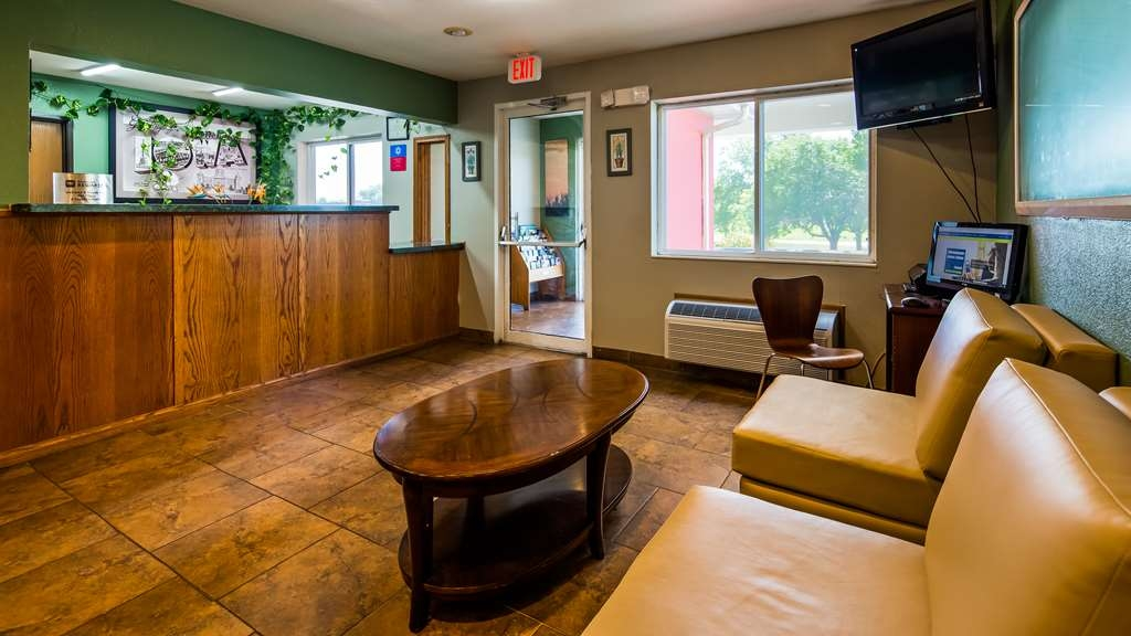 SureStay Plus Hotel by Best Western Bettendorf - Our front desk is happy to provide all the comforts of home for you during your stay.