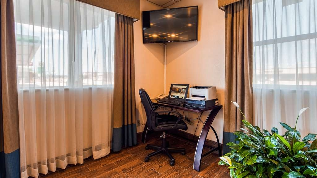 SureStay Hotel by Best Western Ottawa - Stay productive during your time away from home in our business center.