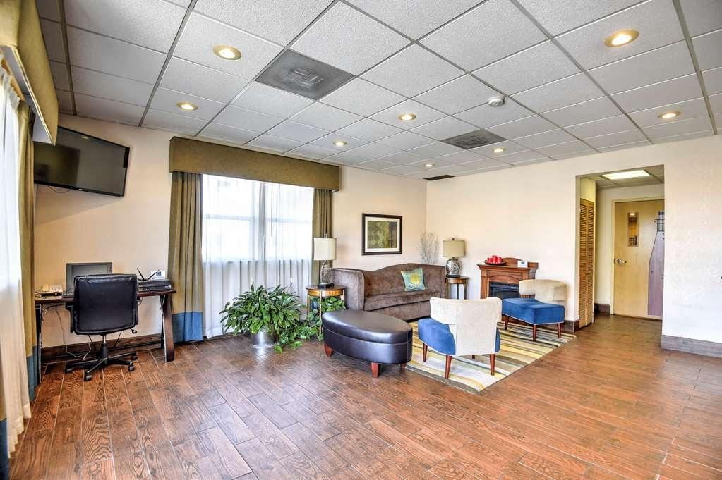 SureStay Hotel by Best Western Ottawa - Vista del vestíbulo