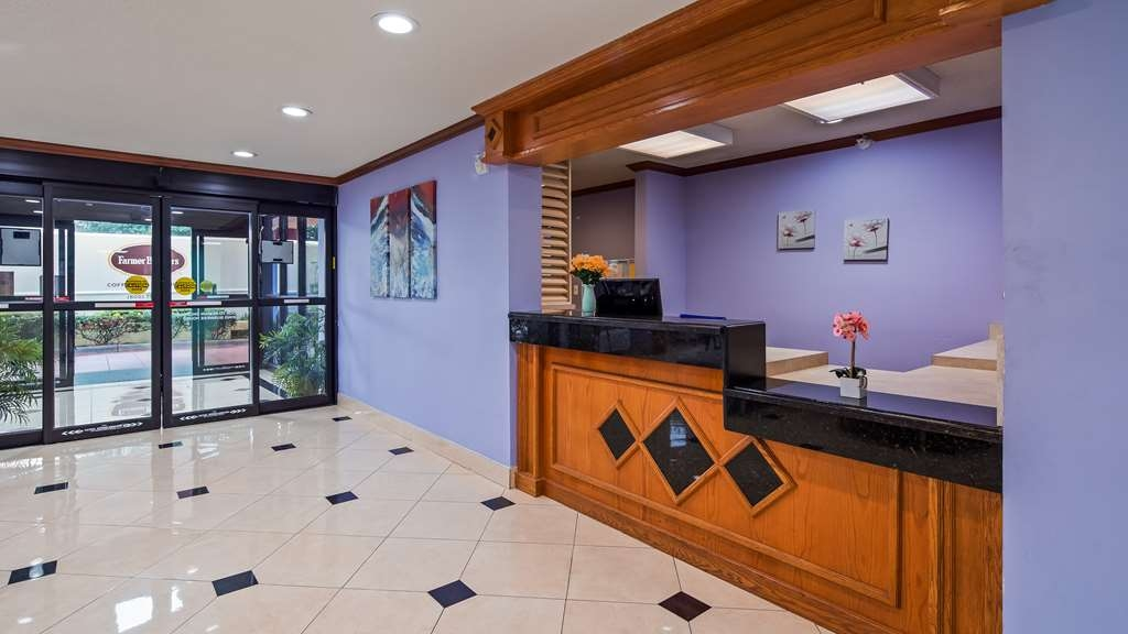 SureStay Plus Hotel by Best Western Houston Intercontinental - Lobbyansicht