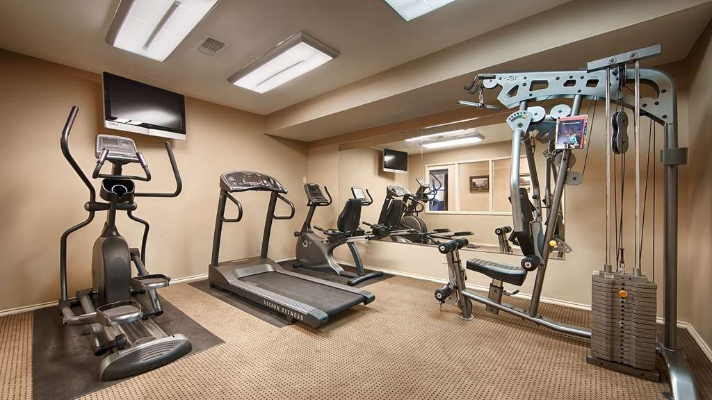 SureStay Hotel by Best Western Sonora - Get a quick workout in the morning or evening time with our fitness center. Our exercise bikes and weights will satisfy your workout schedule.