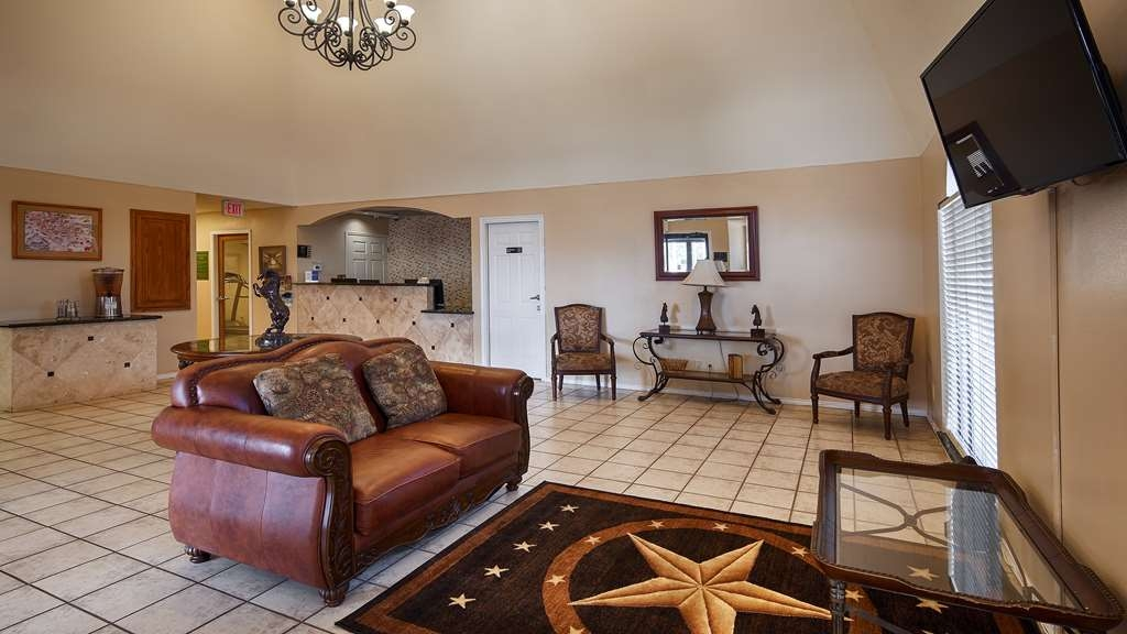 SureStay Hotel by Best Western Sonora - Enter our lobby and experience a piece of Sonora, TX. Our provided refreshments and friendly excellent customer service will make you feel at home.