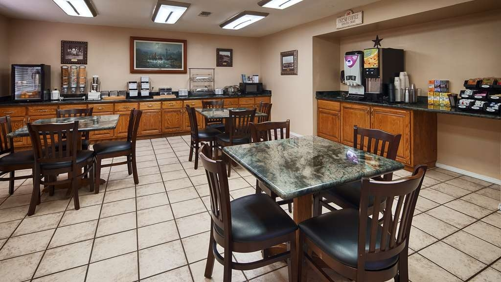 SureStay Hotel by Best Western Sonora - Enjoy our free breakfast at SureStay℠ Hotel Sonora. Our eggs made to order omelette breakfast is a guest favorite along with our Texas sized waffle irons, cereal, juice, bagels and more!