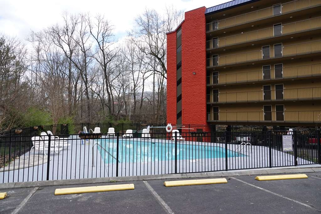 SureStay Plus Hotel by Best Western Gatlinburg - Outdoor Pool
