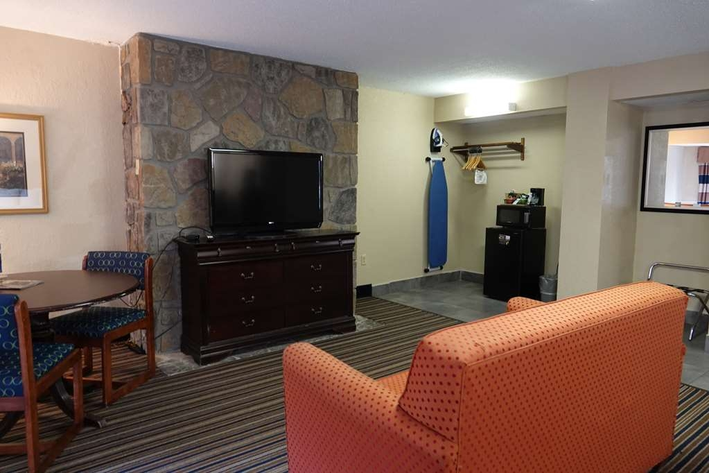 SureStay Plus Hotel by Best Western Gatlinburg - Suite