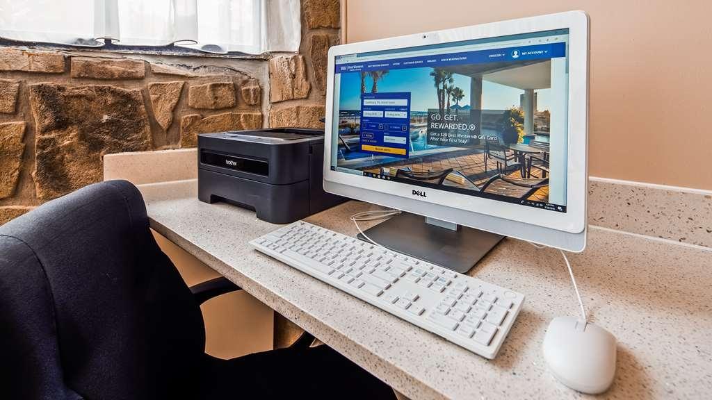 SureStay Plus Hotel by Best Western Gatlinburg - centro de negocios-característica