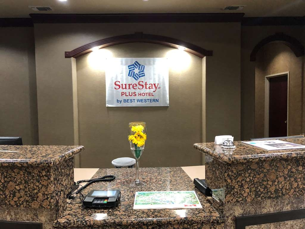 SureStay Plus Hotel by Best Western San Antonio SeaWorld - Vista del vestíbulo