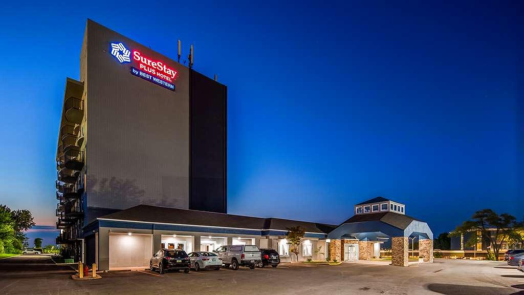 SureStay Plus Hotel by Best Western Kansas City Airport - Aussenansicht
