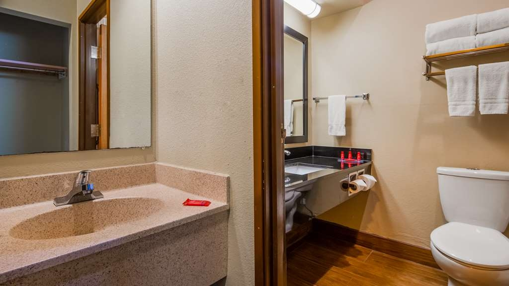 SureStay Plus Hotel by Best Western Blue Springs - Habitaciones/Alojamientos
