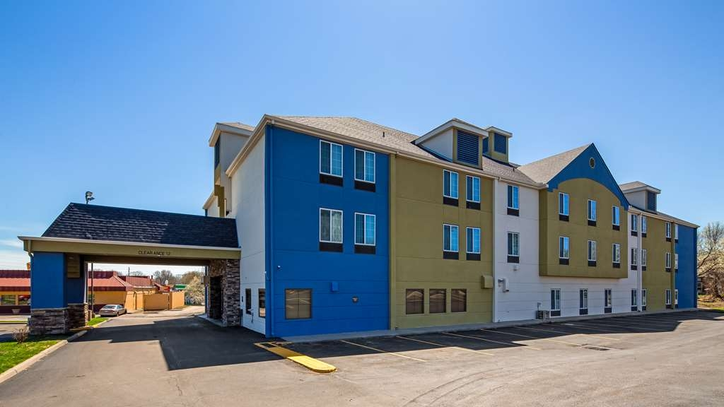SureStay Plus Hotel by Best Western Blue Springs - Vista Exterior