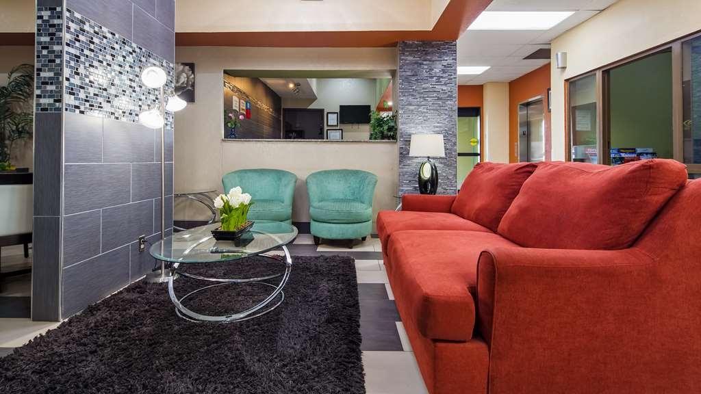 SureStay Plus Hotel by Best Western Blue Springs - Hall