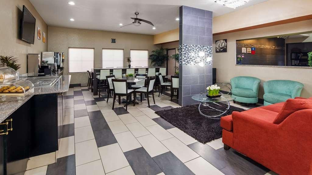 SureStay Plus Hotel by Best Western Blue Springs - Vista del vestíbulo