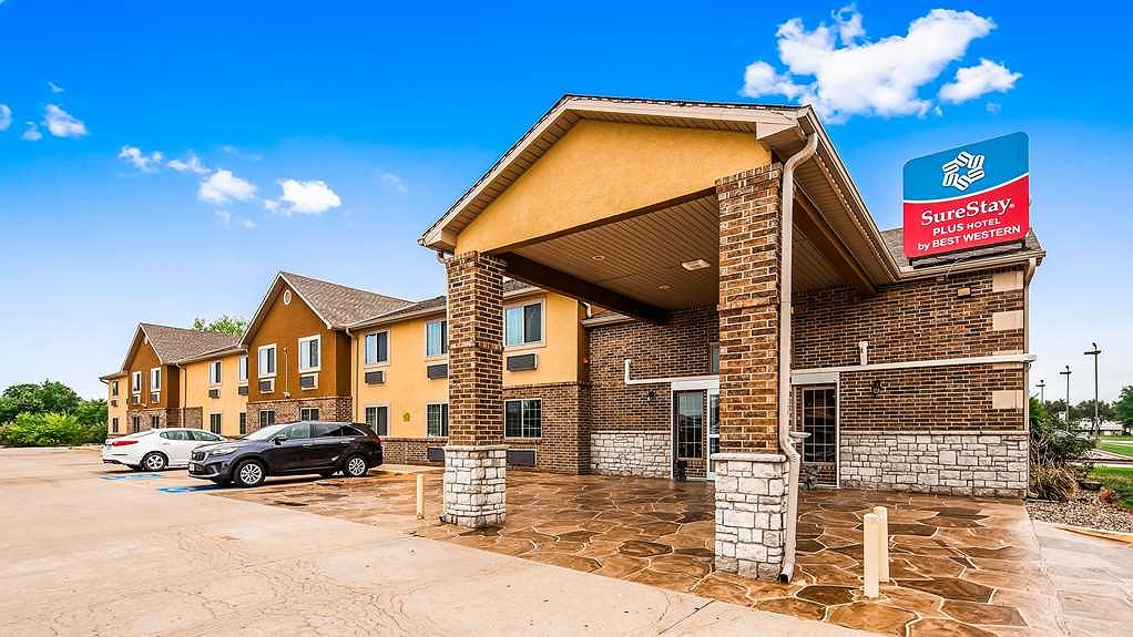 SureStay Plus Hotel by Best Western Kearney Liberty North - Vista exterior