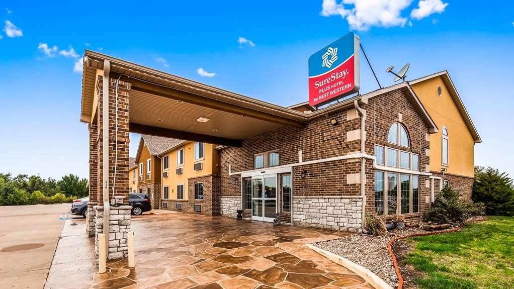 SureStay Plus Hotel by Best Western Kearney Liberty North - Vista Exterior